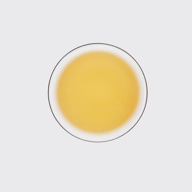 """Фото настоя белого чая """"Бай Му Дань"""""""