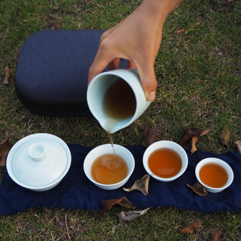 Пьем китайский чай на природе