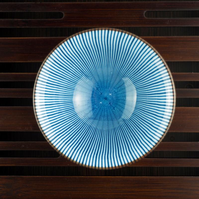 Симметричная бело-голубая пиала | Чайнотека