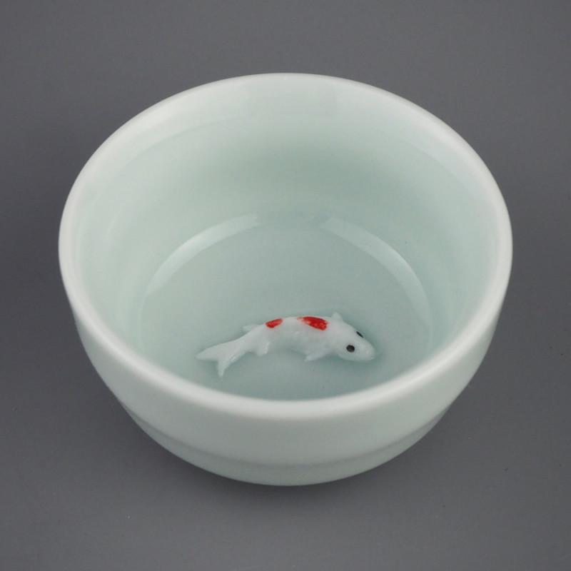 Светло-голубая пиала для чая с фигурой рыбки на дне, 50 мл