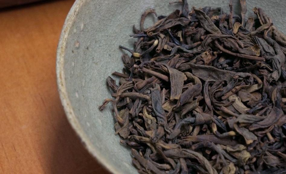 Жареный зеленый чай из Цзеяна